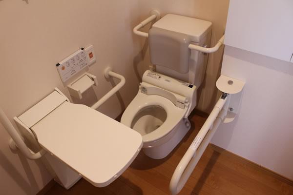 居室トイレ(介助付)